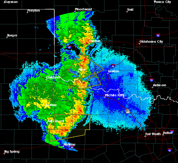 Radar Image for Severe Thunderstorms near Lone Wolf, OK at 5/23/2020 10:28 PM CDT
