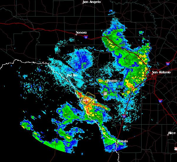 Radar Image for Severe Thunderstorms near Chula Vista, TX at 5/23/2020 10:28 PM CDT