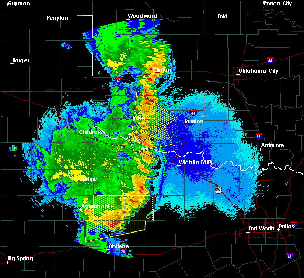 Radar Image for Severe Thunderstorms near Lone Wolf, OK at 5/23/2020 10:38 PM CDT
