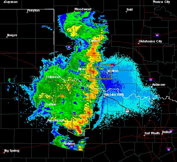 Radar Image for Severe Thunderstorms near Medicine Park, OK at 5/23/2020 11:06 PM CDT