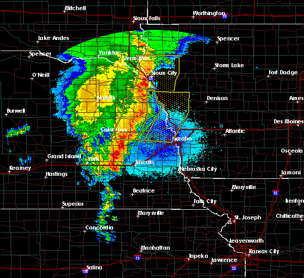 Radar Image for Severe Thunderstorms near Cedar Bluffs, NE at 5/24/2020 4:29 AM CDT