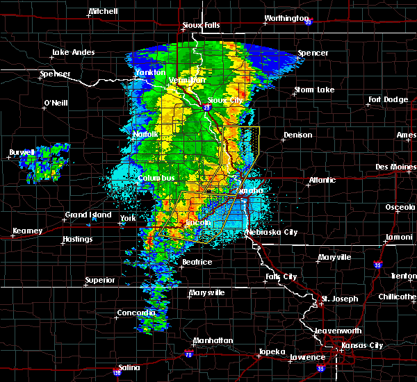Radar Image for Severe Thunderstorms near Bellevue, NE at 5/24/2020 5:15 AM CDT