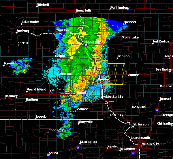 Radar Image for Severe Thunderstorms near Syracuse, NE at 5/24/2020 5:20 AM CDT