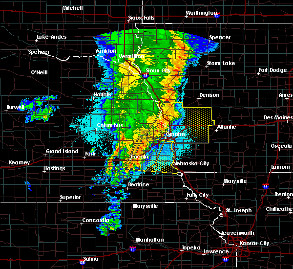 Radar Image for Severe Thunderstorms near Omaha, NE at 5/24/2020 5:26 AM CDT