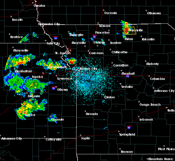 Radar Image for Severe Thunderstorms near Kansas City, MO at 5/24/2020 1:42 PM CDT