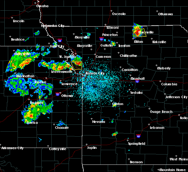 Radar Image for Severe Thunderstorms near Gower, MO at 5/24/2020 2:03 PM CDT