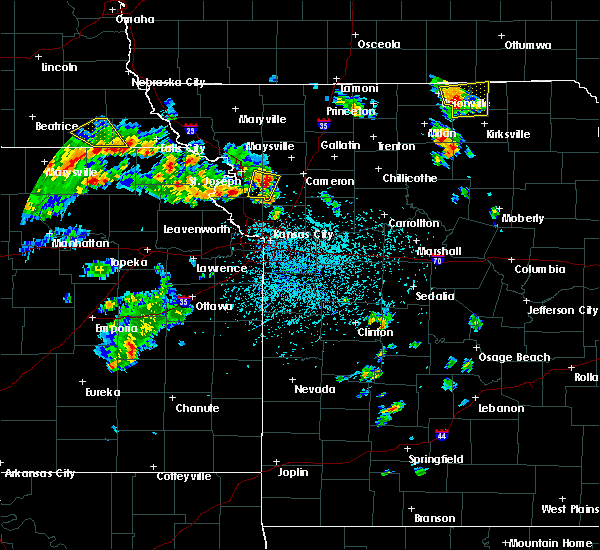 Radar Image for Severe Thunderstorms near Gower, MO at 5/24/2020 2:33 PM CDT