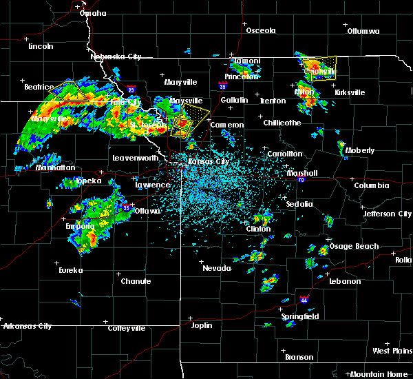 Radar Image for Severe Thunderstorms near Winigan, MO at 5/24/2020 2:36 PM CDT