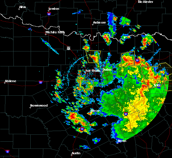 Radar Image for Severe Thunderstorms near Cleburne, TX at 5/24/2020 3:54 PM CDT