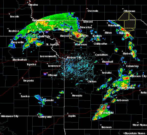 Radar Image for Severe Thunderstorms near McFall, MO at 5/24/2020 4:06 PM CDT