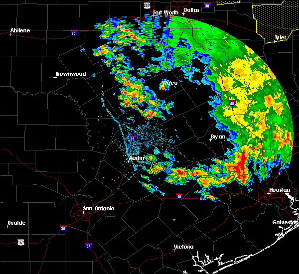 Radar Image for Severe Thunderstorms near McDade, TX at 5/24/2020 4:10 PM CDT