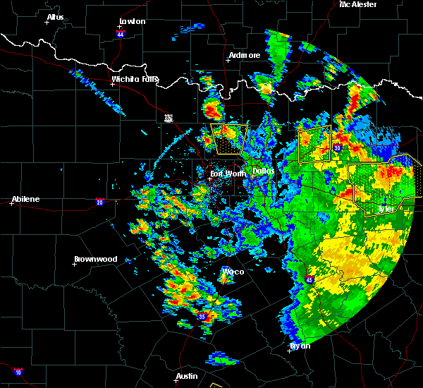 Radar Image for Severe Thunderstorms near Krum, TX at 5/24/2020 4:15 PM CDT