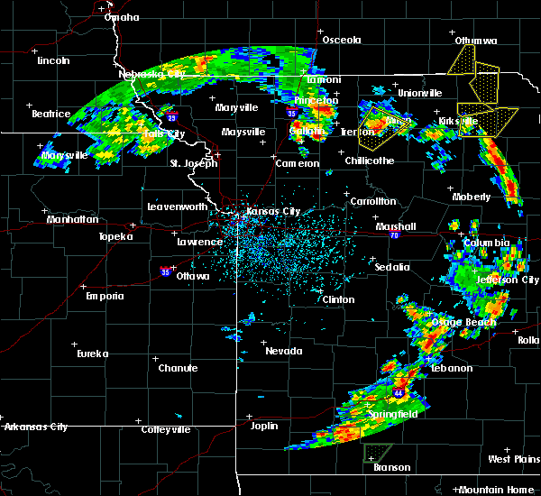 Radar Image for Severe Thunderstorms near Winigan, MO at 5/24/2020 4:42 PM CDT