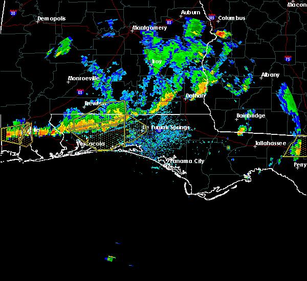 Radar Image for Severe Thunderstorms near Crestview, FL at 6/27/2015 3:47 PM CDT
