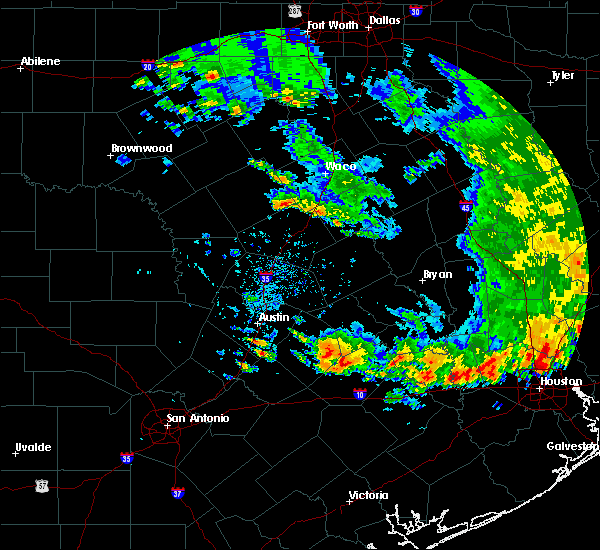 Radar Image for Severe Thunderstorms near Giddings, TX at 5/24/2020 5:51 PM CDT