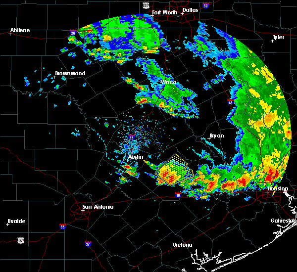 Radar Image for Severe Thunderstorms near McGregor, TX at 5/24/2020 5:58 PM CDT