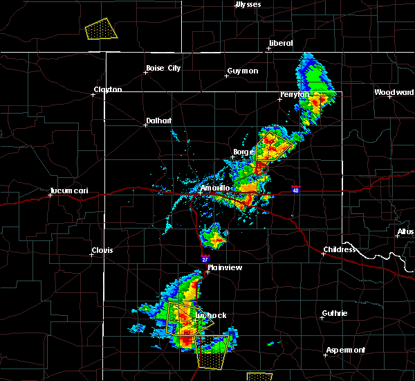 Radar Image for Severe Thunderstorms near Pampa, TX at 5/24/2020 6:02 PM CDT