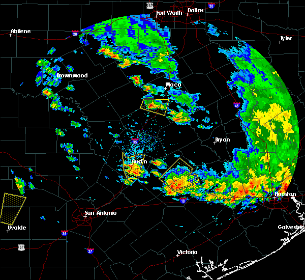 Radar Image for Severe Thunderstorms near McDade, TX at 5/24/2020 6:26 PM CDT