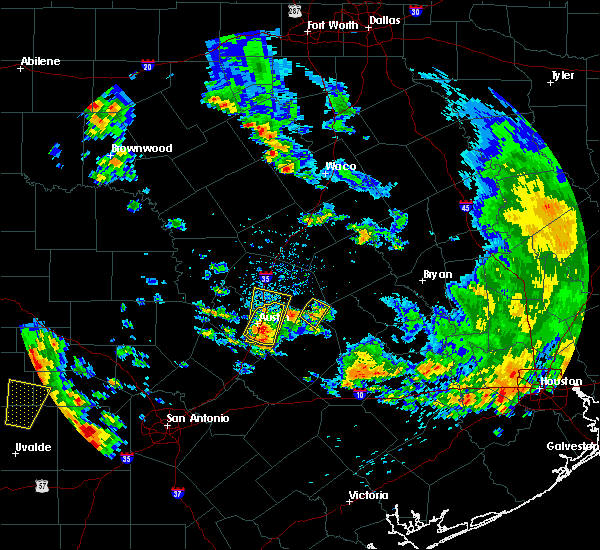 Radar Image for Severe Thunderstorms near Round Rock, TX at 5/24/2020 6:57 PM CDT