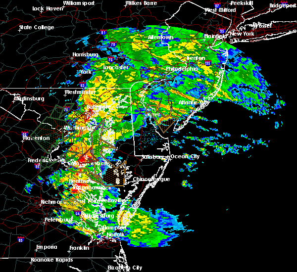 Radar Image for Severe Thunderstorms near St. Leonard, MD at 6/27/2015 5:06 PM EDT