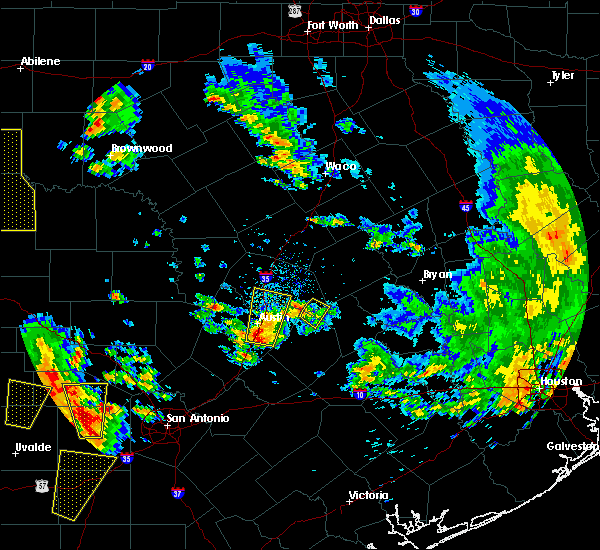 Radar Image for Severe Thunderstorms near McDade, TX at 5/24/2020 7:19 PM CDT