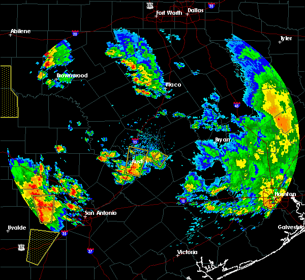 Radar Image for Severe Thunderstorms near McDade, TX at 5/24/2020 7:24 PM CDT
