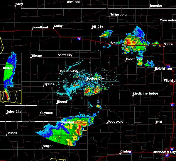 Radar Image for Severe Thunderstorms near Follett, TX at 5/24/2020 7:33 PM CDT