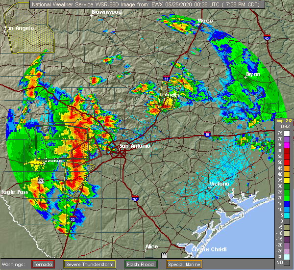 Radar Image for Severe Thunderstorms near Hondo, TX at 5/24/2020 7:46 PM CDT