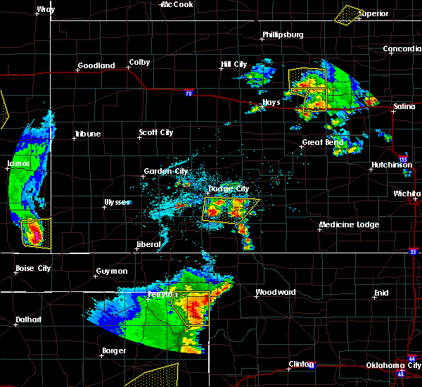 Radar Image for Severe Thunderstorms near Spearville, KS at 5/24/2020 8:00 PM CDT