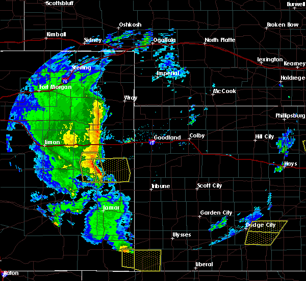 Radar Image for Severe Thunderstorms near Cheyenne Wells, CO at 5/24/2020 7:08 PM MDT