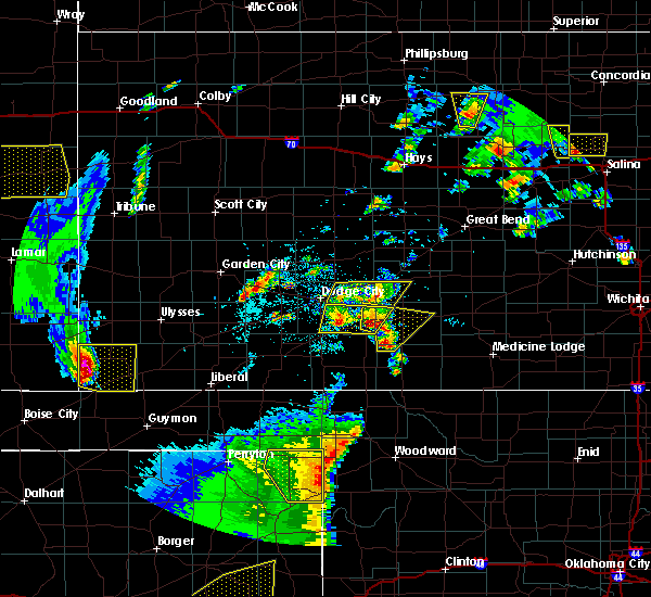 Radar Image for Severe Thunderstorms near Ingalls, KS at 5/24/2020 8:24 PM CDT