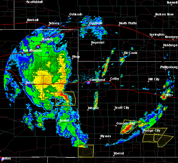 Radar Image for Severe Thunderstorms near Cheyenne Wells, CO at 5/24/2020 7:34 PM MDT
