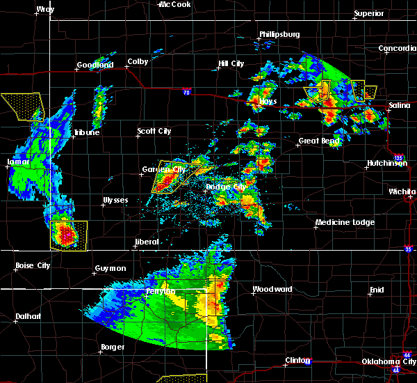 Radar Image for Severe Thunderstorms near Ingalls, KS at 5/24/2020 8:42 PM CDT
