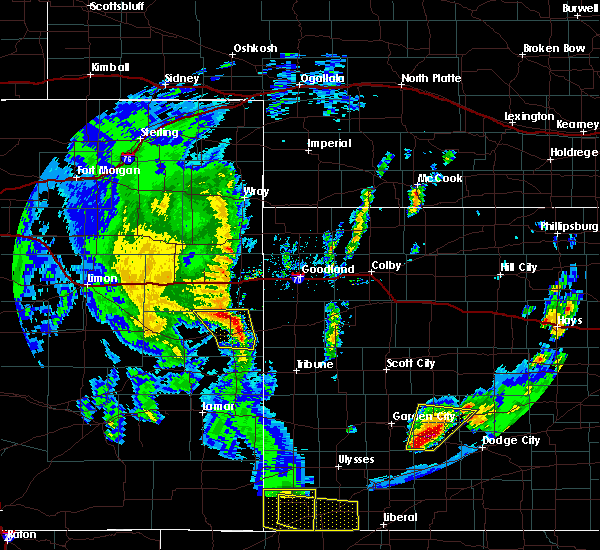 Radar Image for Severe Thunderstorms near Cheyenne Wells, CO at 5/24/2020 7:45 PM MDT