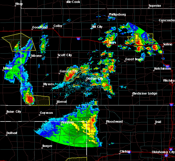 Radar Image for Severe Thunderstorms near Jetmore, KS at 5/24/2020 8:50 PM CDT