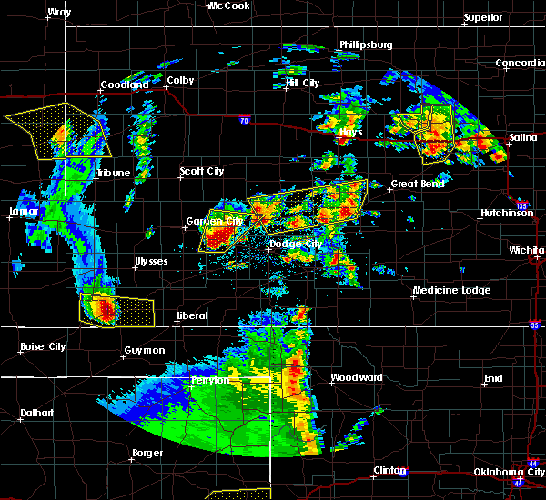 Radar Image for Severe Thunderstorms near Ingalls, KS at 5/24/2020 9:01 PM CDT