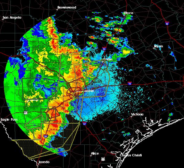 Radar Image for Severe Thunderstorms near Christine, TX at 5/24/2020 9:02 PM CDT