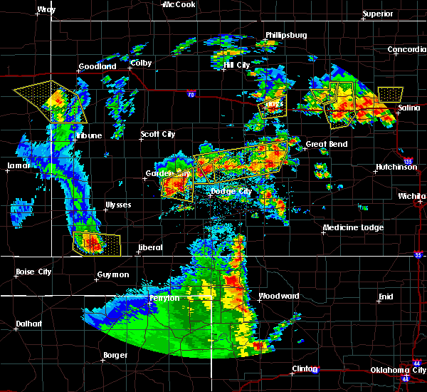 Radar Image for Severe Thunderstorms near Victoria, KS at 5/24/2020 9:17 PM CDT