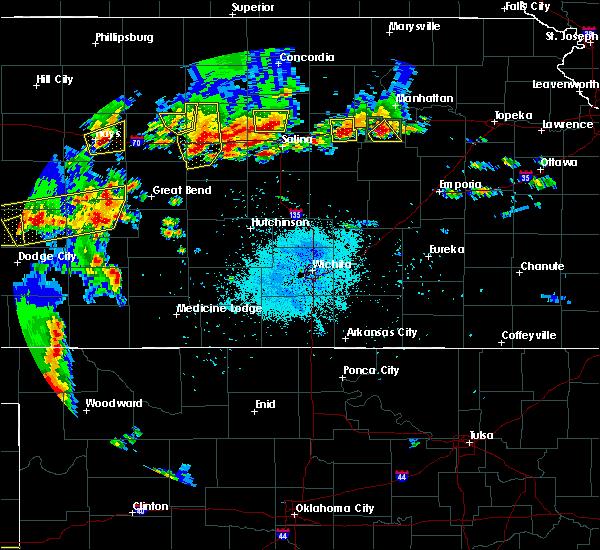 Radar Image for Severe Thunderstorms near Ellsworth, KS at 5/24/2020 9:22 PM CDT