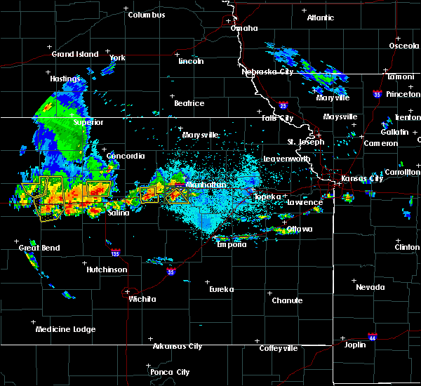 Radar Image for Severe Thunderstorms near Brookville, KS at 5/24/2020 9:28 PM CDT