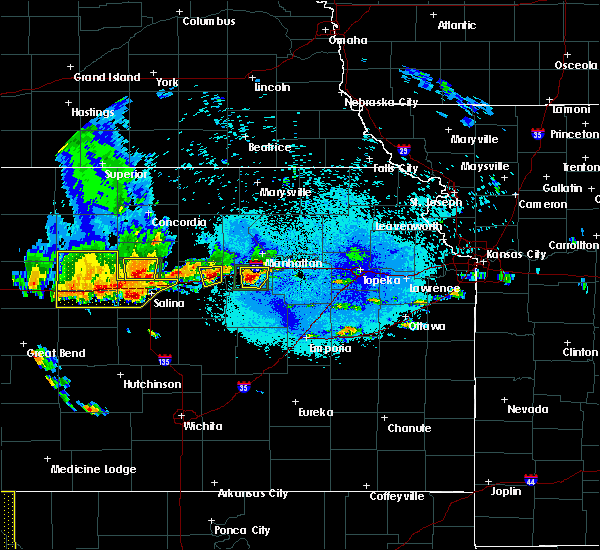 Radar Image for Severe Thunderstorms near Chapman, KS at 5/24/2020 9:38 PM CDT