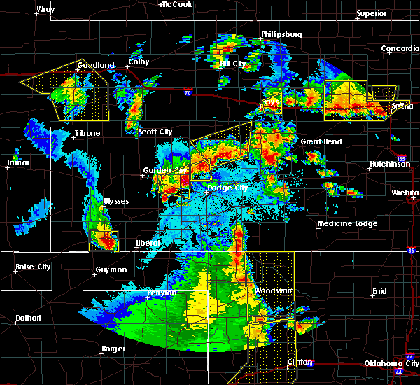 Radar Image for Severe Thunderstorms near Jetmore, KS at 5/24/2020 9:39 PM CDT