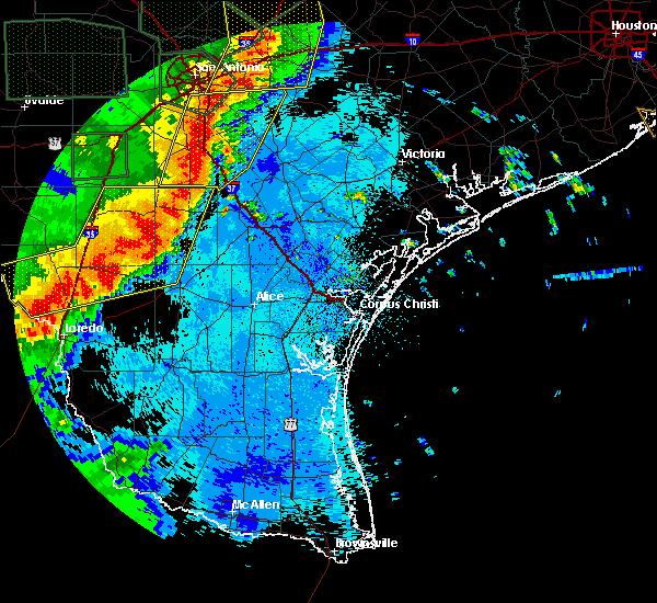 Radar Image for Severe Thunderstorms near Ranchitos Las Lomas, TX at 5/24/2020 9:49 PM CDT