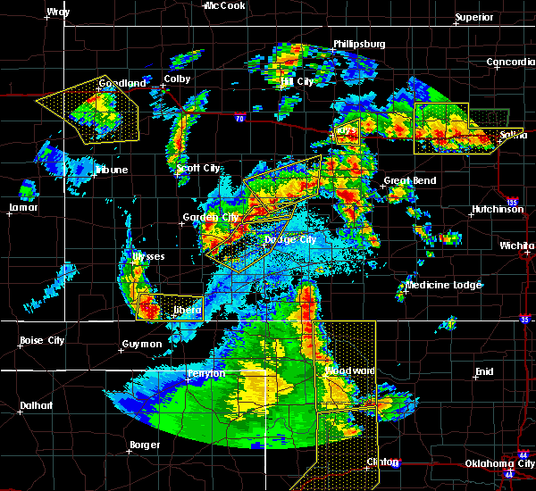 Radar Image for Severe Thunderstorms near Jetmore, KS at 5/24/2020 9:50 PM CDT