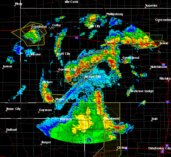 Radar Image for Severe Thunderstorms near Jetmore, KS at 5/24/2020 10:07 PM CDT