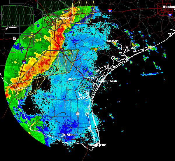 Radar Image for Severe Thunderstorms near Ranchitos Las Lomas, TX at 5/24/2020 10:13 PM CDT