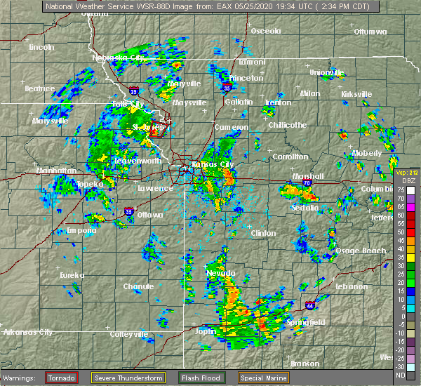 Radar Image for Severe Thunderstorms near St. Joseph, MO at 5/25/2020 2:41 PM CDT