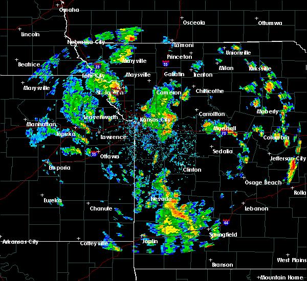 Radar Image for Severe Thunderstorms near Lexington, MO at 5/25/2020 3:01 PM CDT