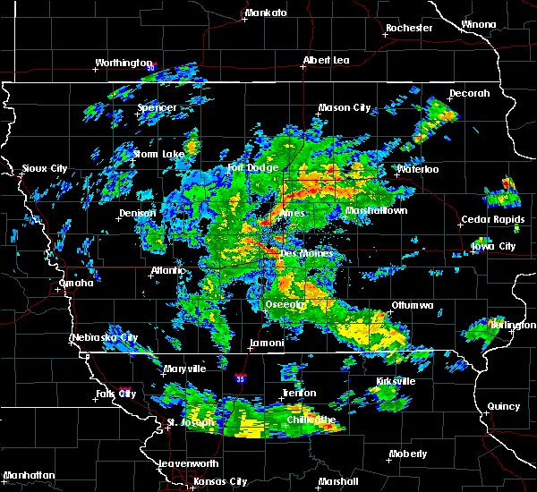 Radar Image for Severe Thunderstorms near Saylorville, IA at 5/25/2020 6:35 PM CDT
