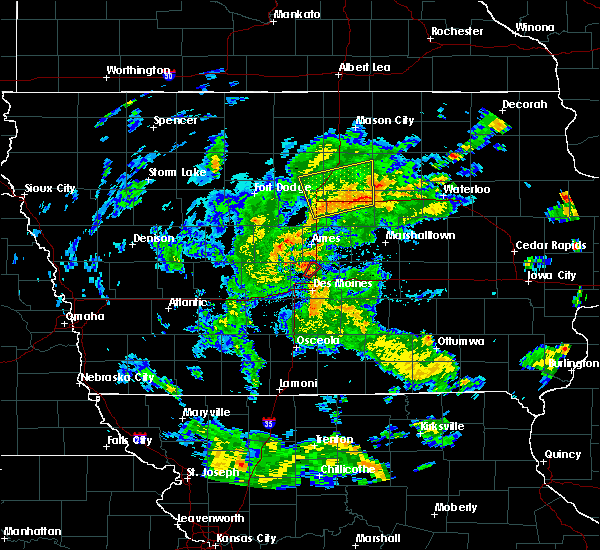 Radar Image for Severe Thunderstorms near Popejoy, IA at 5/25/2020 6:47 PM CDT